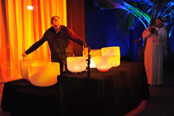 Frédéric Nogray, Concert pour bols chantant en cristal - Photo copyright Eftychia Kazouka